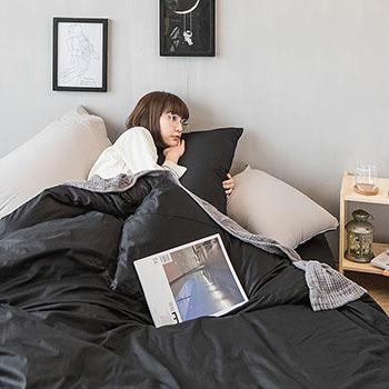 床包/雙人【撞色系列-夜空黑】100%精梳棉雙人床包含兩件枕套