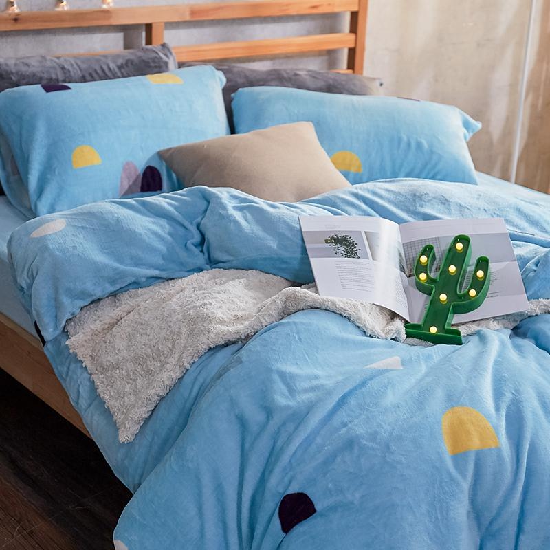 保暖法蘭絨【卡爾點點】雙人鋪棉床包被毯組