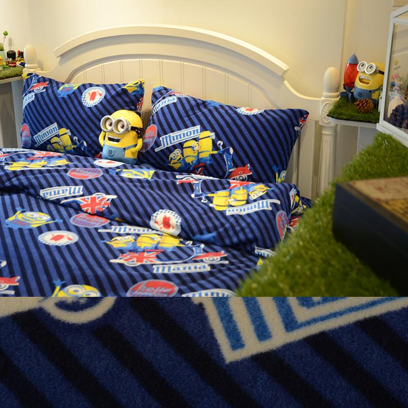 搖粒絨/雙人【小小兵前進英倫】雙人床包兩用毯組